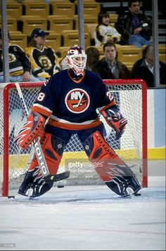 Goalie Pads, Hockey Goalie, Field Hockey, Hockey Players, Ice Hockey, What To Do When Bored, Action Pictures, New York Islanders, Long Island