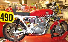 Honda 350 race-bike.  Runs in AHRMA 350 Sportsman class.    Build details: http://www.randakksblog.com/?p=2901