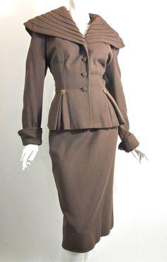A elegantly lovely 1940s Lilli Ann suit. #vintage #fashion #1940s