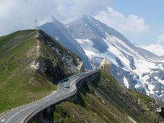26 best European road trips to take at least once! Best European Road Trips, Road Trip Europe, European Travel, Winter Travel, Summer Travel, Winter Road, Northern Lights Trips, Outdoor Fotografie, France