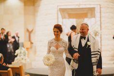 http://thedtales.com #ivory #fall #winter  #wedding  #weddingaisle #orlando #florida #weddingplanner #jewish #compositebouquet