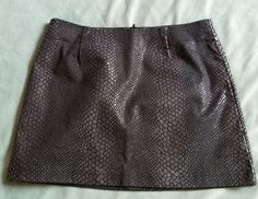 Black Guess Snake Print Mini Skirt Sz 2 Zipper closure #GUESS #Mini