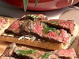 Mini Open Faced Steak Sandwiches on Garlic Bread with Aged Provolone and Parsley Oil Nat made these at Bella's Birthday party And, everyone LOVED THEM!…Open Faced Steak Sandwiches care of Bobby Flay Skirt Steak Recipe Oven, Steak In Oven, Bobby Flay Recipes, Oven Recipes, Cooking Recipes, Wrap Sandwiches, Steak Sandwiches, Bobby Flay Steak, Breaded Steak