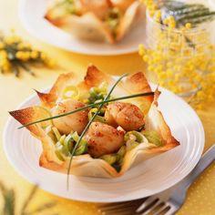 Croustillant de Saint-Jacques Plus Seafood Recipes, Cooking Recipes, Healthy Recipes, Fingers Food, Scallop Recipes, Fish And Seafood, Seafood Salad, Food Plating, Food Inspiration