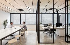 Image 7 of 27 from gallery of Blackwood Street Bunker / Clare Cousins Architects. Photograph by Lisbeth Grosmann