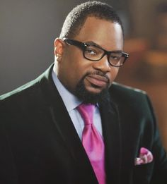 THIS IS THE CHRONICLES OF EFREM: Come to a Meet & Greet with Bishop Hezekiah Walker in Philly!