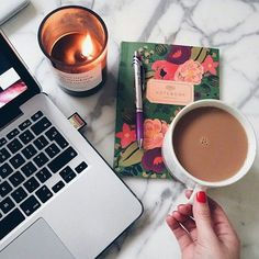 Here are the steps to create a study schedule and help you get organized in college. When and where to study to make sure you are ready for exams. Coffee Love, Coffee Break, Coffee Cups, Coffee Candle, Morning Coffee, Drink Coffee, Coffee Mornings, Coffee Meeting, Night Coffee