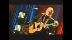 Willie Nelson  -  Drinking Champagne , Feelin' No Pain