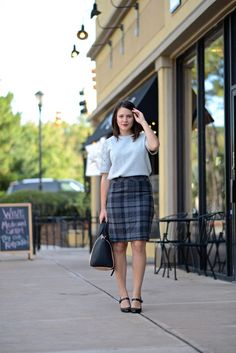 LOFT Pencil Skirt an