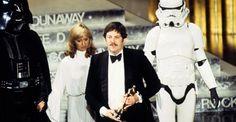"""George Lucas avait choisi Mollo pour La Guerre des Etoiles en raison de sa grande connaissance des uniformes militaires.  """"Pour les stormtroopers et Dark Vador, Ralph [McQuarrie] a eu une très forte influence"""", avait indiqué Lucas. """"Pour l'essentiel, ce sont ses designs. Les autres personnages, comme la princesse, c'est Mollo qui s'en est chargé."""""""