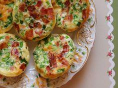 Briose cu bacon si ceapa verde - Carrefour-Pentru o viata mai buna Mai, Bacon, Eggs, Breakfast, Food, Green, Morning Coffee, Essen, Egg