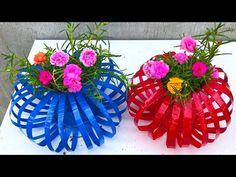 faça lindos vasos de lanterna com garrafas de plástico descartadas por 10 horas - YouTube Plastic Flower Pots, Painted Flower Pots, Hanger Crafts, Zeina, Bottle Cap Art, How To Make Lanterns, Pop Bottles, Recycle Plastic Bottles, Diy Home Crafts