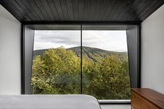 Naturehumaine Will Be Remembered for the Crowhill Cabin   Man of Many Montreal Architecture, Architecture Design, Bauhaus, Timber Cabin, Wood Cabins, Agi Architects, Casa Loft, Journal Du Design, Ceiling Windows