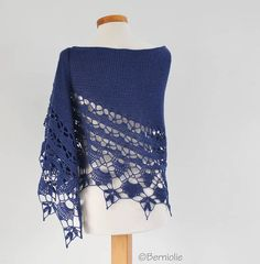 THIS LISTING IS FOR THE PATTERN ONLY AND ONLY AVAILABLE IN ENGLISH AND DUTCH. This is not the actual finished item. You will be receiving a digital download of instructions on how to make your own. Patterns are a final sale, due to their digital nature they cannot be returned or
