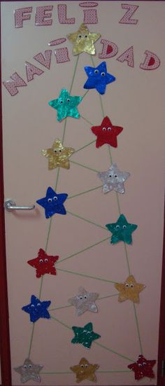 Plastificando ilusiones: Nuestra puerta y nuestro abeto Office Christmas, Christmas Door, Christmas Crafts For Kids, Xmas Crafts, Christmas Projects, Diy And Crafts, English Decor, Art N Craft, Toddler Crafts