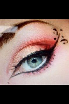 Pink eyeshadow and eye liner design