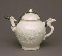 Teapot with Lid Made by the Saint-Cloud porcelain factory, Saint-Cloud, France, c. 1690 - 1766