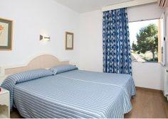 Cabau Aquasol Apartments, Palmanova. Bedroom.