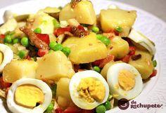 Una de las ensaladas de patata m�s refrescante y saludable del verano. Perfecta para un d�a caluroso. Preparaci�n paso a paso, v�deo y fotograf�as