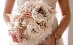 M Modelos de bouquets con flores de tela