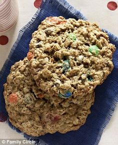 The cookie battle of presidential candidates' wives: Ann Romney's (gluten free) M Cookies and Michelle Obama's Mama Kaye's white and dark chocolate chip cookies recipes