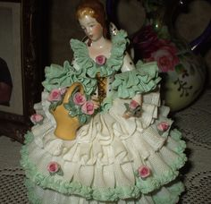 """Large 7""""+ Dresden Figurine Sitting Lady Woman Lace & Roses Germany Exquisite!"""