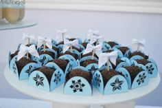 Frozen Winter Wonderland Birthday Party via Kara's Party Ideas KarasPartyIdeas.com Cake, printables, desserts, favors, food, and more! #frozen #frozenparty #winterwonderland #winterwonderlandparty #winterpartyideas (20)