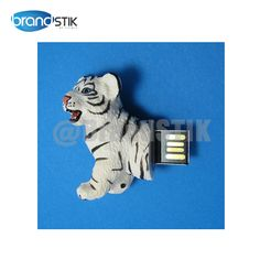 Animal USB Flash Drive comes in pantone matched colour. Capacity 2,4,8,16,32 GB. MOQ is 100 pcs. Delivery anywhere in the world on location in quick turnaround time. Custom Logo branding. Range of packing options available. Data can be saved in non erasable format. Original Toshiba Chip with 2 years warranty. Know more at www.goflashdrives.com