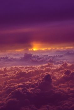 9 Stunning Photos of Beautiful Clouds: Sunset above the clouds - I love clouds even more than I love mountains. Check out these 9 beautiful cloud photographs. Beautiful Sunset, Beautiful World, Beautiful Places, Simply Beautiful, Above The Clouds, Sky And Clouds, Pink Clouds, Colorful Clouds, All Nature