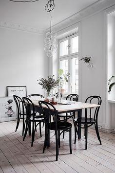 Small home with a great kitchen - via Coco Lapine Design @estemag #estliving #estdesigndirectory