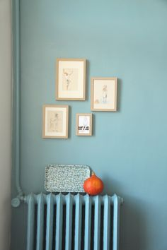 As de trèfle 7 de coeur blue. More inspiration at Bed and Breakfast… Blue Rooms, Blue Walls, Home Decor Inspiration, Color Inspiration, Wall Colors, Colours, Colour Schemes, Decoration, Sweet Home
