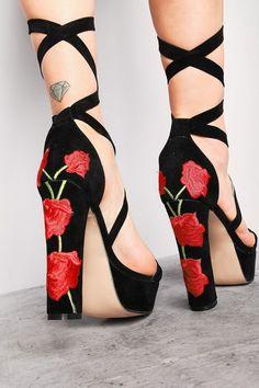 E-Mail-Adresse für das Rückgaberecht - Schuhe - Zapatos Ideas Fancy Shoes, Pretty Shoes, Beautiful Shoes, Me Too Shoes, Cute Heels, Lace Up Heels, Stiletto Heels, High Heels, Shoes Heels