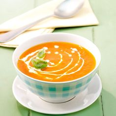 Tomatenroomsoep: 2 ProPoints waarden #WeightWatchers #WWrecept Chef Recipes, Low Carb Recipes, Soup Recipes, Weith Watchers, Soup Appetizers, Good Healthy Recipes, Healthy Food, Weight Watchers Meals, Love Food