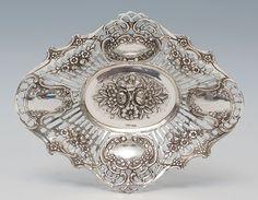 Silberkorb, durchbrochenes Dekor, Rosendekor, gez. 800 R&S, ovaler Spiegel mitBlumenbouquet, guter Z — Silber: Sterling, Besteck, Jensen