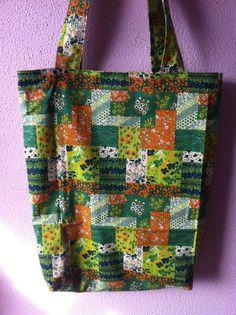 vrolijke boodschappentas in groen/oranje tinten