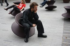 Spinning Top Chairs!! OMG! What brilliance!