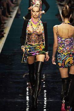 Ungaro Couture Fall 2002 Couture Fashion Show - Emanuel Ungaro, Karolina Kurkova