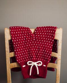 Gratis strikkeoppskrifter fra Strikkezilla Design Vogue Knitting, Knitting Books, Knitting For Kids, Baby Knitting Patterns, Crochet Pattern, Knit Crochet, Baby Barn, Knitting Magazine, Modern Retro