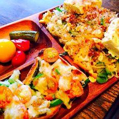 タンパク質は豆腐で補います。いつもの生野菜サラダを作らなかったので腹八分目気味です。 - 17件のもぐもぐ - 自家製ピクルスと野菜たっぷりピザトーストとソーミンチャンプルー by toki69