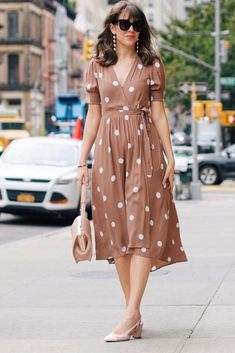30 Stylish Easter Dresses You Can Wear All Spring Easter Dress With White Polka Dots Lovely Dresses, Stylish Dresses, Casual Dresses, Dresses Dresses, Spring Dresses, Spring Outfits, Casual Holiday Outfits, Looks Chic, Easter Dress