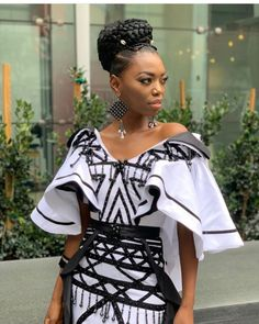 African Fashion Skirts, African Maxi Dresses, African Fashion Designers, African Dresses For Women, Zulu Traditional Wedding Dresses, African Fashion Traditional, African Traditional Wedding, Xhosa Attire, African Attire
