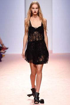 No. 21 Spring 2015 Ready-to-Wear Fashion Show - Maartje Verhoef