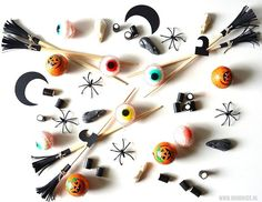 Witch broom chopsticks by BeColorAnd Witch Broom, Halloween Dinner, Chopsticks, Summer Flowers, Washer Necklace, Diys, Easy Diy, Hair Accessories, Paper Crafts