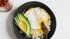 Bol riz œuf avocat