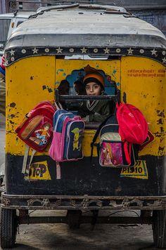Interesting picture: Children going to school in an autorickshaw @Jodhpur, Rajasthan, #India