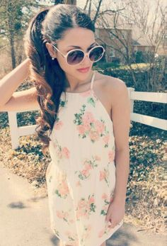Gabi has the best fashion sense. Vintage, girly and oh so classy. She's just stunning. Girly Outfits, Pretty Outfits, Summer Outfits, Cute Outfits, Pretty Dresses, Cute Fashion, Teen Fashion, Fashion Beauty, Vintage Fashion