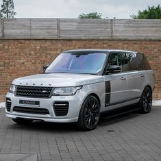 Just silver and black Range Rover Black, Range Rover Sport, Range Rover Supercharged, Futuristic Design, Cars And Motorcycles, Luxury Cars, Super Cars, Sim, Vehicles