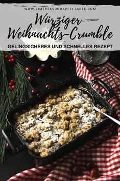 Blitzschnelle: Christmas-Beeren-Crumble mit Spekulatius-Streuseln Christmas berry crumble with speculoos sprinkles Tolle Desserts, Oreo Desserts, Pudding Desserts, Holiday Desserts, Berry Smoothie Recipe, Easy Smoothie Recipes, Healthy Recipes, Cupcake Recipes, Healthy Snack Recipes