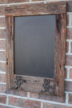 Oak Reclaimed Barn Wood Chalkboard with 2 Double Hooks Perfect for Your Home, Office, or Wedding Barn Wood Crafts, Old Barn Wood, Reclaimed Wood Projects, Pallet Crafts, Reclaimed Barn Wood, Rustic Wood, Barn Board Projects, Deco Champetre, Barn Siding