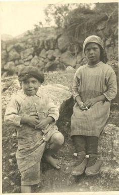 Niños del Albaicín. Granada.  Joaquín Castells  1917-1929
